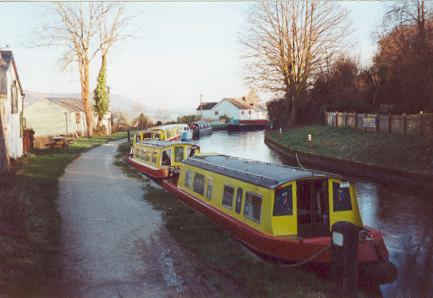 Please click here for the Road House Narrowboats Web Site